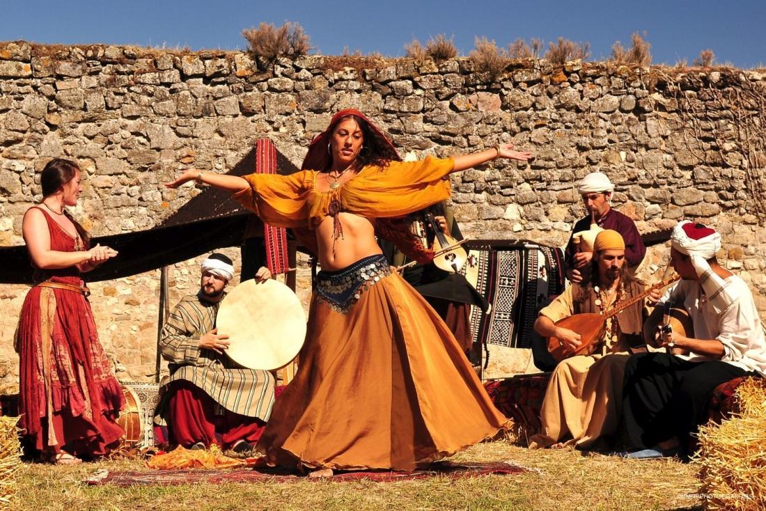Danseuse orientale 2.jpg