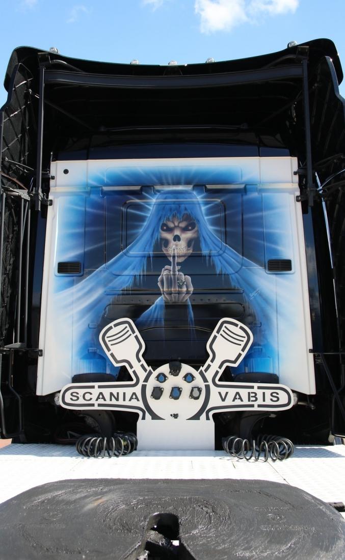 camion arrière la mort.jpg