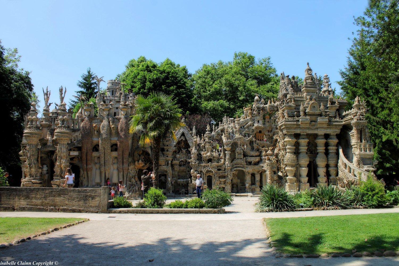 Le palais idéal du facteur Cheval dans la Drôme.