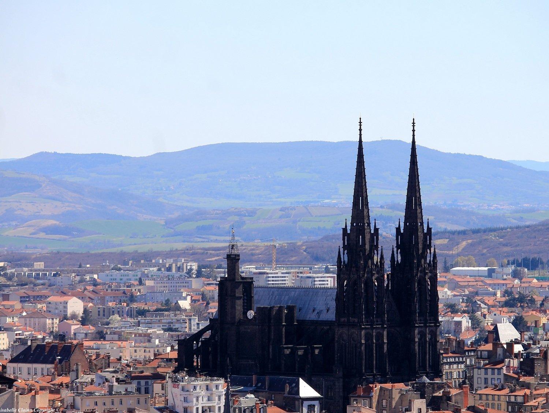 La cathédrale Notre Dame de l' Assomption à Clermont-Ferrand dans le Puy de Dôme.