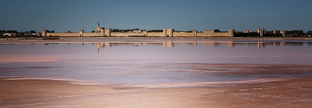 Panoramique d'aigues mortes