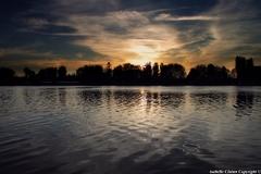 Coucher de soleil à Vichy, Allier.