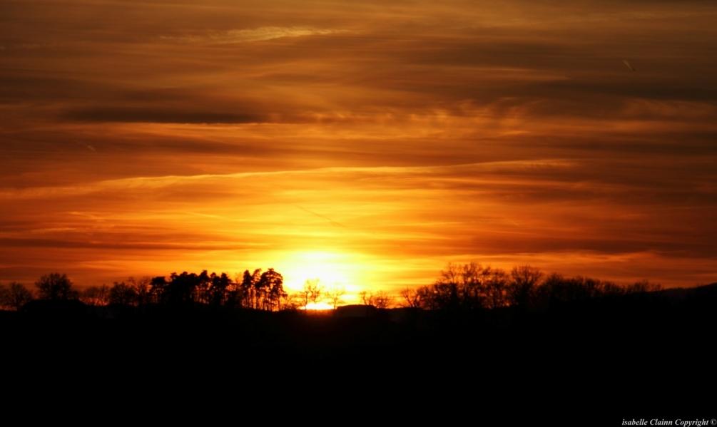 Coucher de soleil à Chevrières Loire.JPG