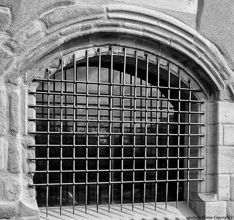 fenêtre grille St galmier 14.jpg