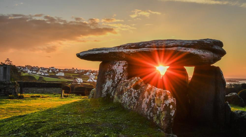 dolmen.jpg.80605ee1918d819cb98e14ead66e4ed9.jpg