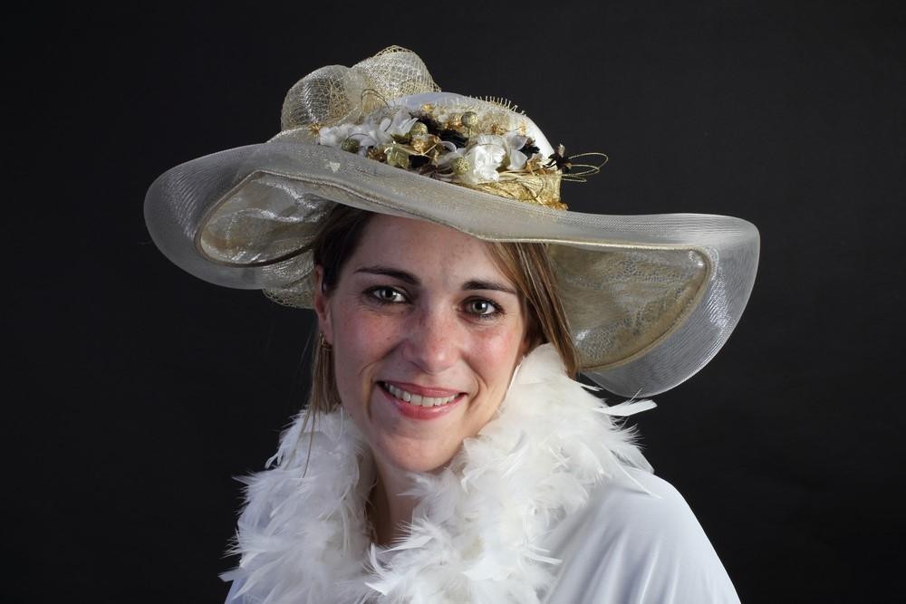 IMG_2854 femme au chapeau (Copier).JPG