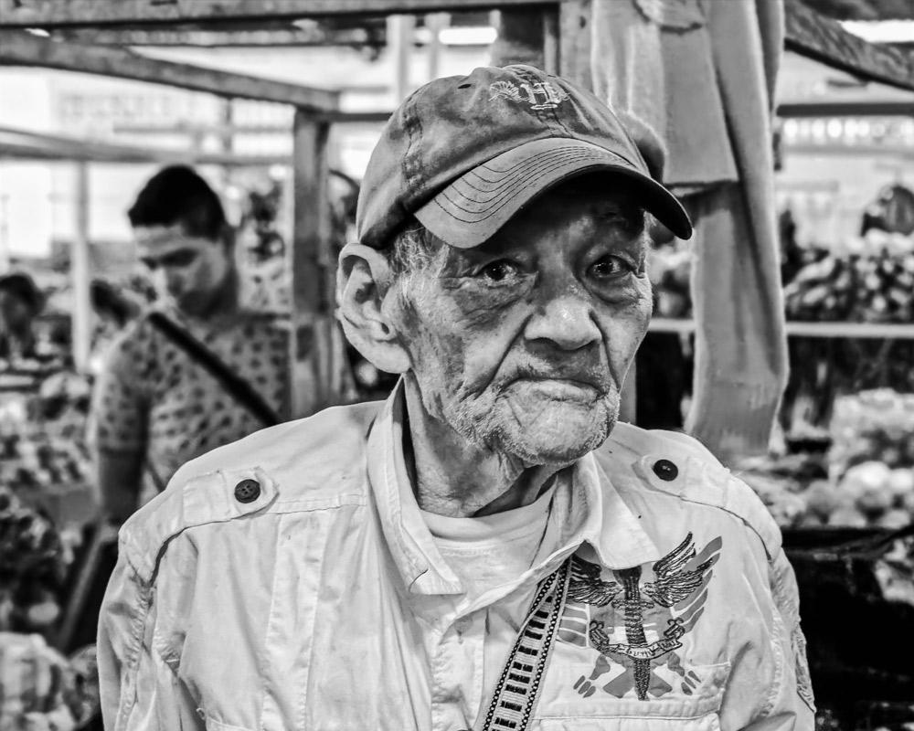 Homme-avec-casquette_DSC_6387_DxO-v3R.jpg