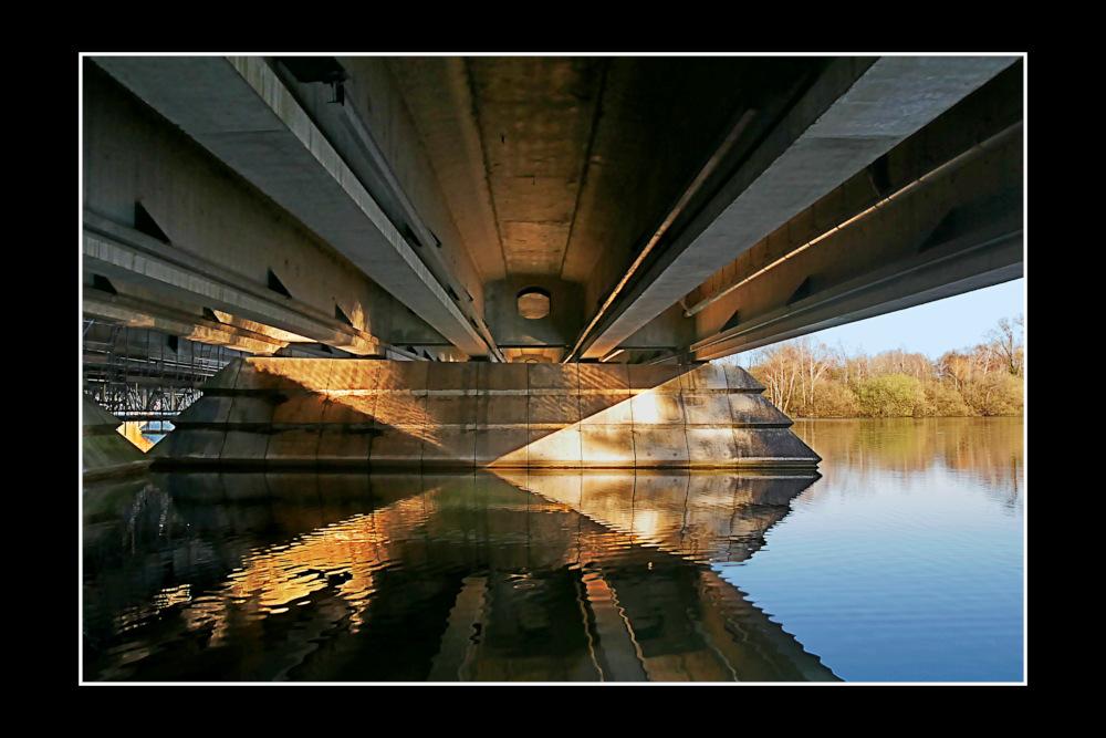 Sous_Le_Pont_1B_1000.jpg