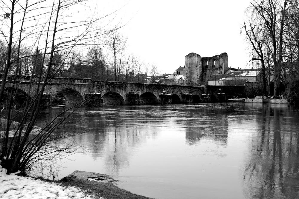 IMG_0213  Pont Grez sur Loing.JPG