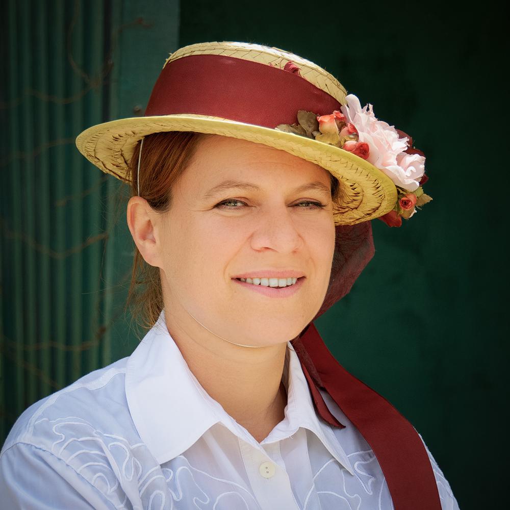 Femme-au-chapeau-v3b-R-DSC_0036_DxO.jpg